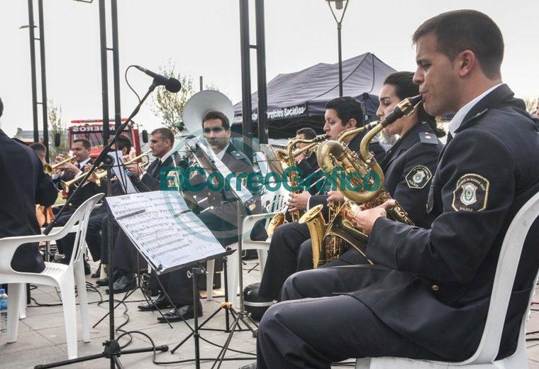 La Policía Bonaerense presentó su Muestra Itinerante en Berisso 6