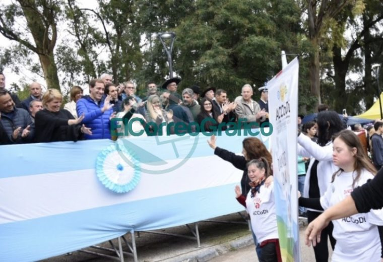 Los vecinos de Villa Elisa celebraron los 131 años de la localidad 04