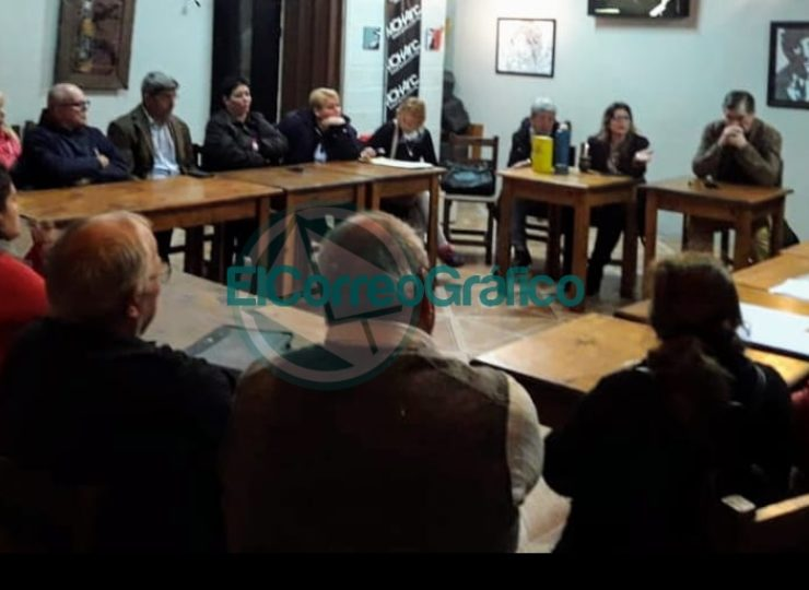 Reunión mensual del Segundo Foro Vecinal en el barrio Banco Provincia 1