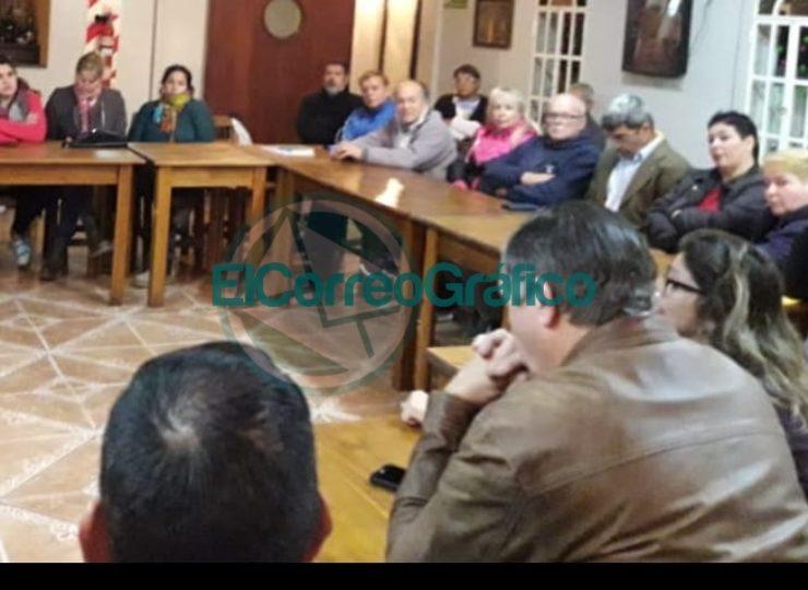 Reunión mensual del Segundo Foro Vecinal en el barrio Banco Provincia 4