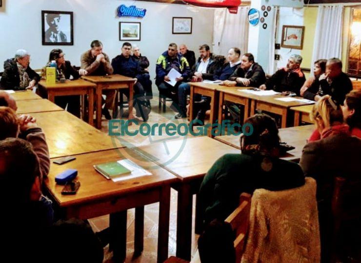 Reunión mensual del Segundo Foro Vecinal en el barrio Banco Provincia 5