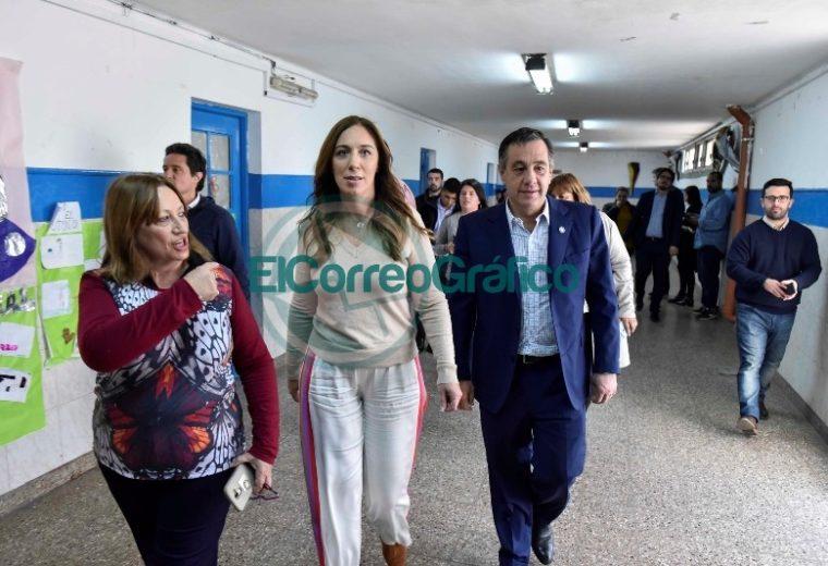 Vidal visitó una secundaria de La Mantaza por ser el establecimiento 5000 en conectividad 06
