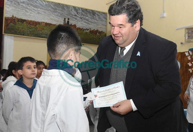 Acto Escolar de Promesa de Lealtad a la Bandera en la Escuela N° 3 de Berisso 3