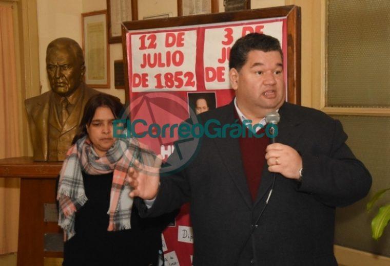 Acto por el 86º Aniversario del fallecimiento de Hipólito Yrigoyen en su escuela homónima en Berisso 2
