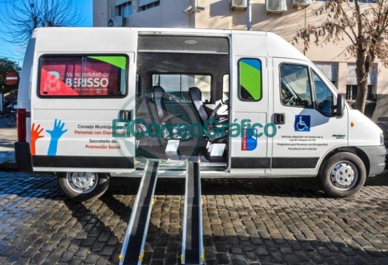 Adquisición de una combi para transportar personas con movilidad reducida en Berisso 4