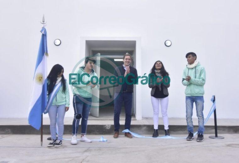 Garro inauguró el nuevo edificio de la Escuela Secundaria Básica Nº 37 de Arana 02