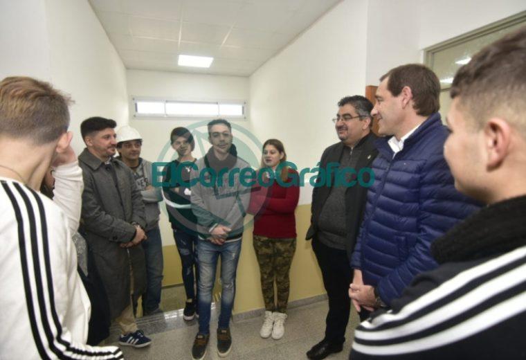 Garro inauguró el nuevo edificio de la Escuela Secundaria Nº 43 03