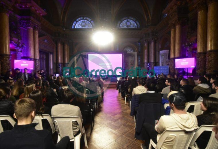 Garro participó de la presentación de la primera escuela de herramientas digitales y nuevas tecnologías de La Plata 2
