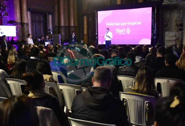 Garro participó de la presentación de la primera escuela de herramientas digitales y nuevas tecnologías de La Plata 3