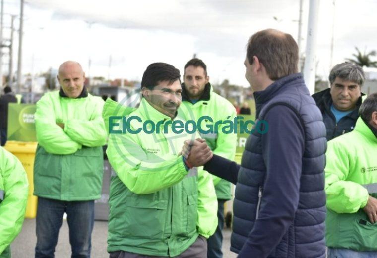 Garro presentó el nuevo sistema de contenedores de basura 3
