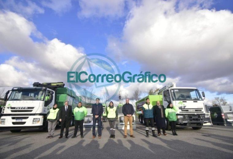 Garro presentó el nuevo sistema de contenedores de basura 5