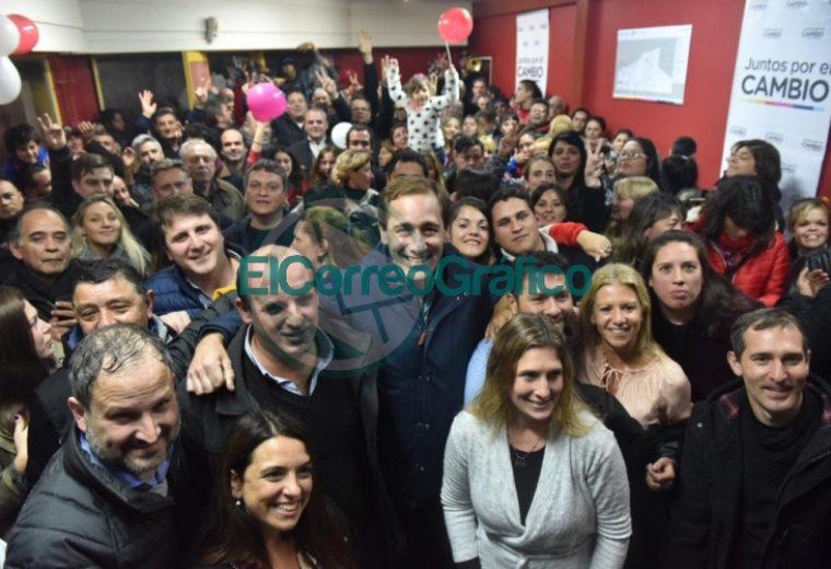 Julio Garro inauguró un local del Juntos por el Cambio en Villa Elvira 1