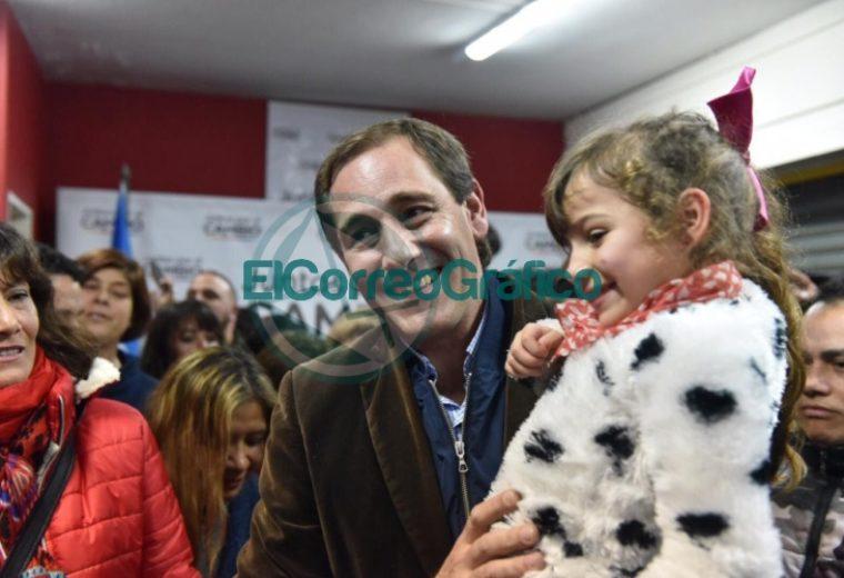 Julio Garro inauguró un local del Juntos por el Cambio en Villa Elvira 3