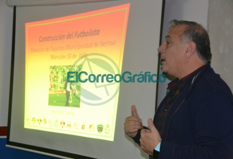 Luís Alberto Canay disertó en el Curso de Director Técnico Infanto-Juvenil 01