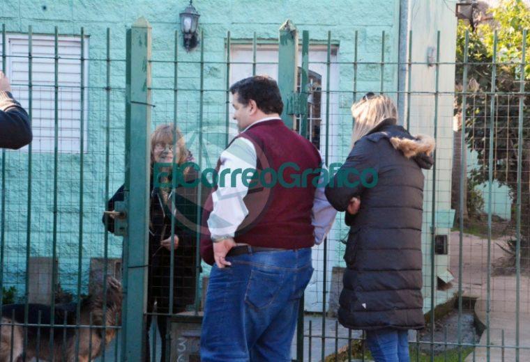 Nedela visitó a vecinos de la calle 174 entre 36 y 38 de Villa Zula donde se está pavimentando 4