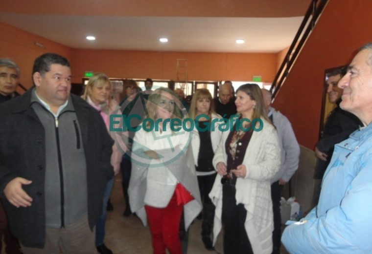 Claudia Rucci pasó por Berisso en su recorrido del frente Juntos por el Cambio 09