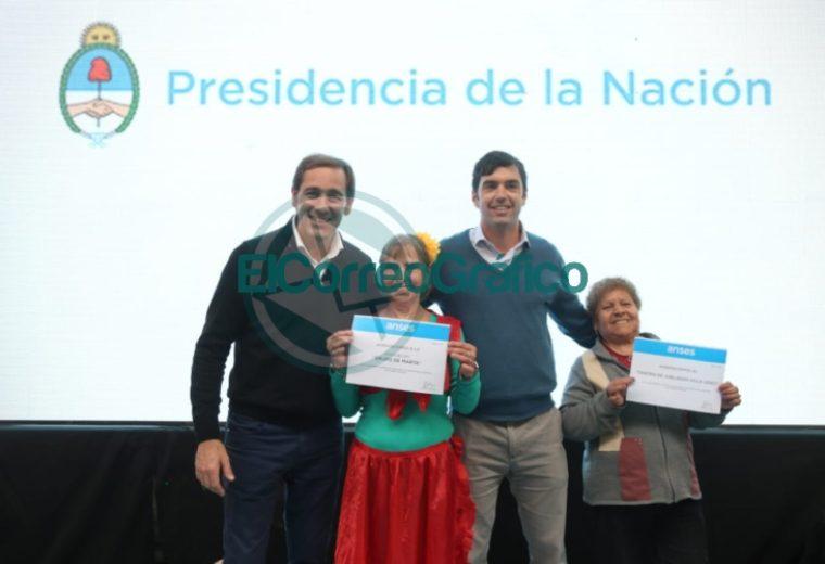 Garro celebró el Día del Abuelo en el Club Unión Vecinal 1