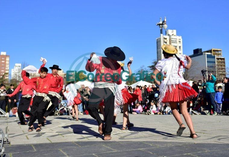 La Plata celebró los 194 Aniversario de la Independencia de Bolivia 2