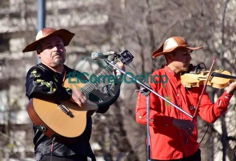 La Plata celebró los 194 Aniversario de la Independencia de Bolivia 3