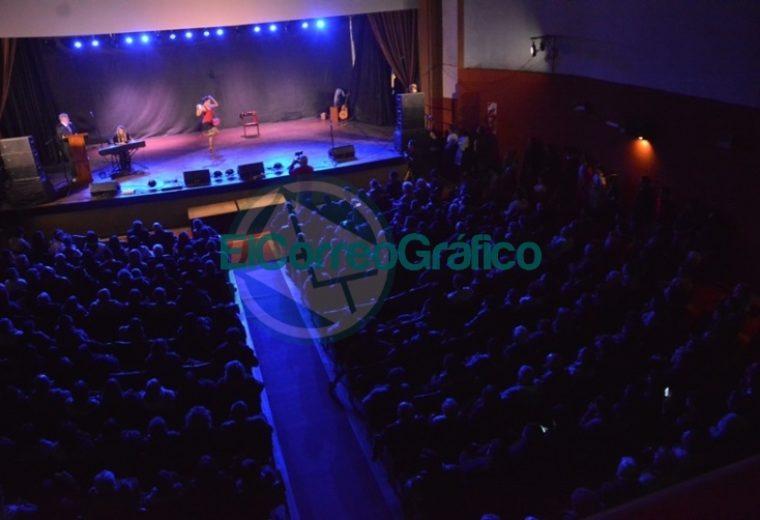 Teatro Municipal Cine Victoria volvió a abrir sus puertas 08