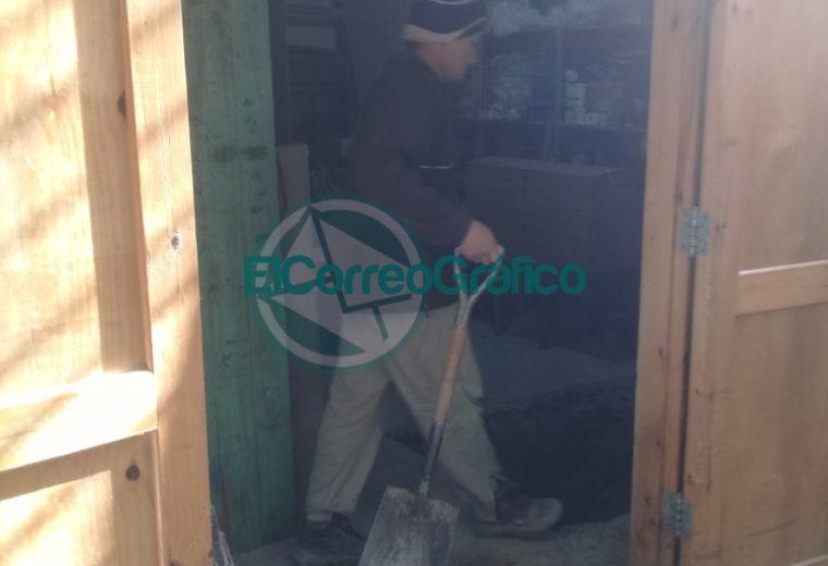 Trabajos de mantenimiento en el Sindicato de Municipales y en su Camping 3