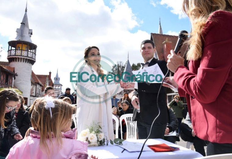 """Tres parejas dieron el """"Sí"""" en la República de los Niños 02"""