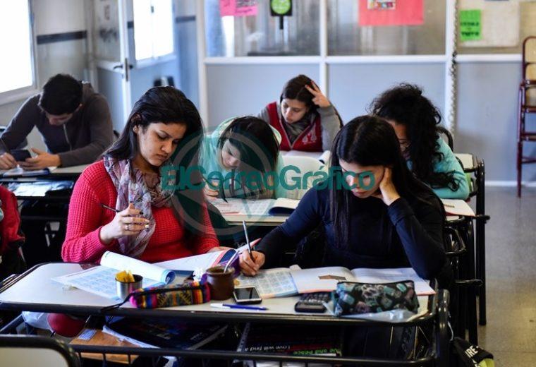 El 93% de las escuelas secundarias de todo el país rindieron la evaluación Aprender 3