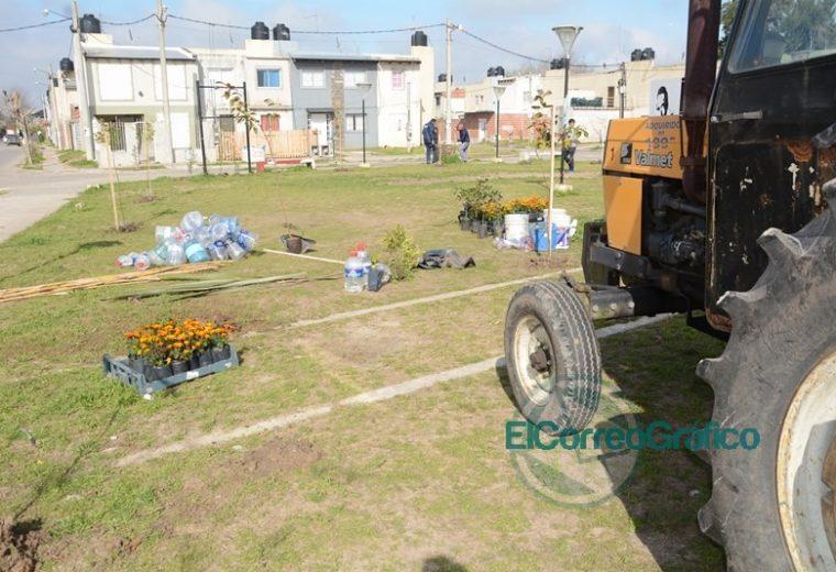 El Municipio reparó el vandalismo de la Plaza Alfonsín en el barrio Eva Perón 6