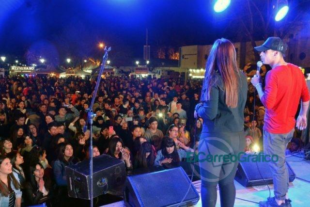 Festejos en del Día de la Primavera con un gran festival organizado por el Municipio en el Parque Cívico 2