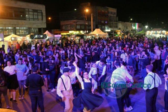 Festejos en del Día de la Primavera con un gran festival organizado por el Municipio en el Parque Cívico 3