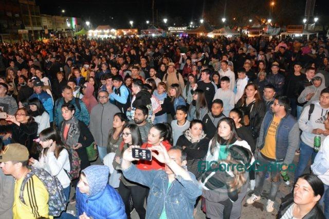 Festejos en del Día de la Primavera con un gran festival organizado por el Municipio en el Parque Cívico 1