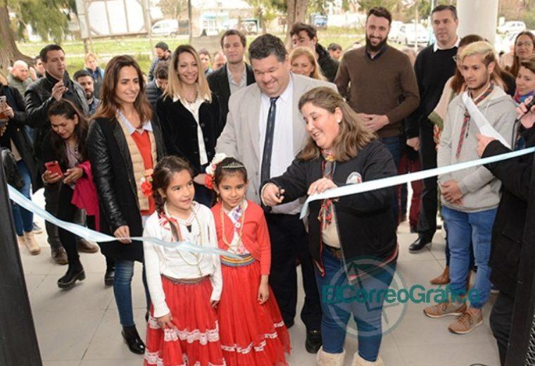 Nedela junto a vecinos del barrio El Carmen, inauguró el Centro Cultural y Polideportivo 1