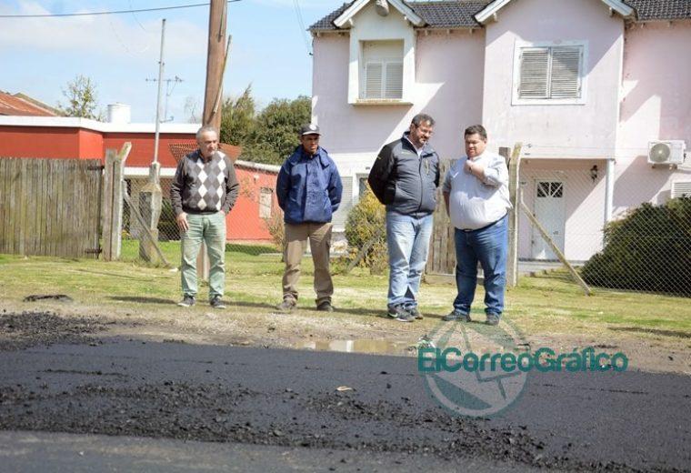 Nedela supervisó el bacheo de la Ruta Provincial 15 en Los Talas 13