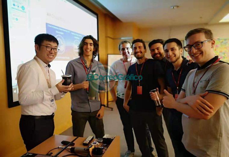 Tomando mate con un profesor de la Universidad de Huawei en Shenzhen