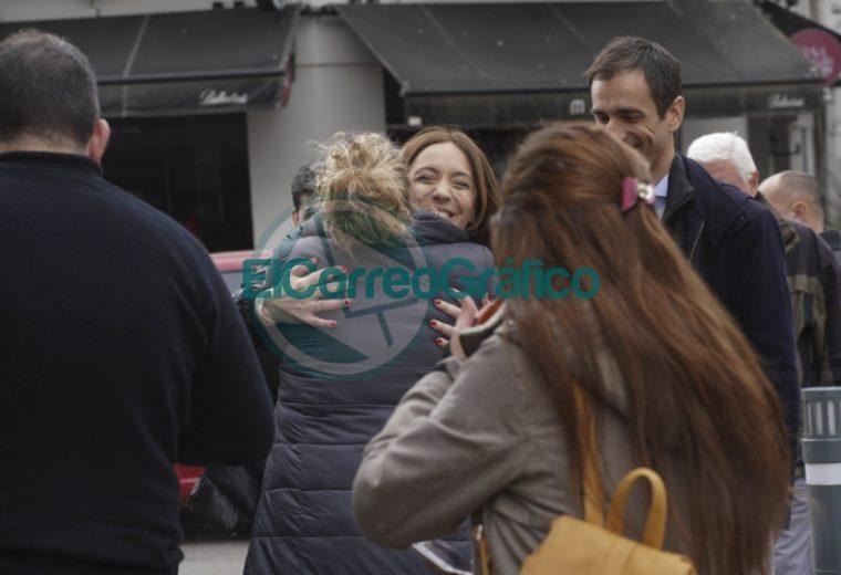 Vidal estuvo en un hospital de Junín y dialogó con vecinos 1