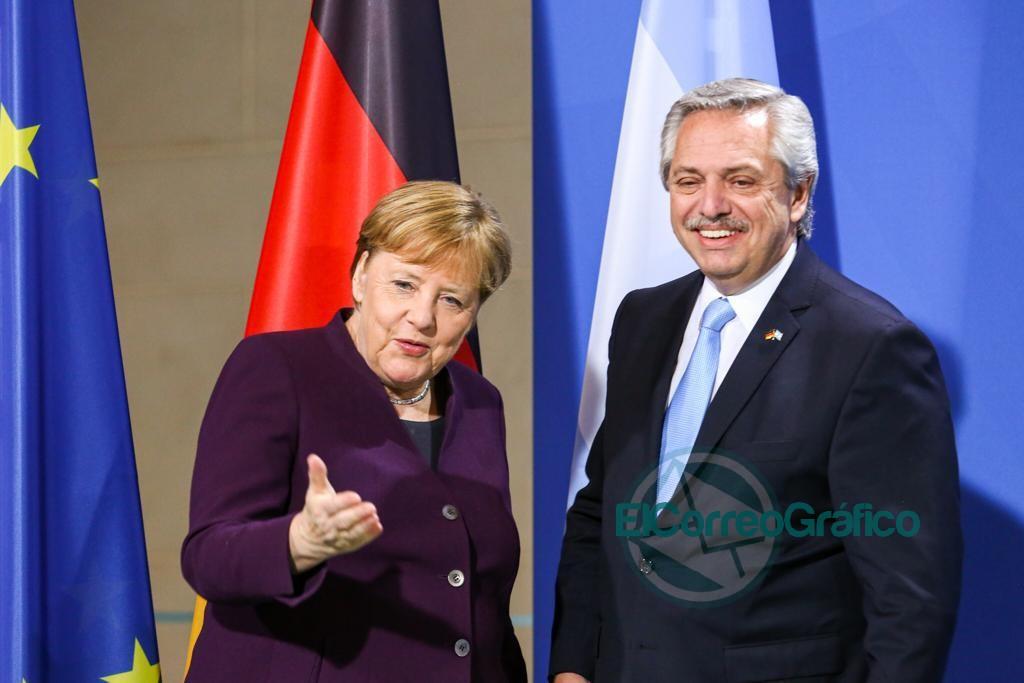 Fernández se reunió con la canciller alemana, Angela Merkel 1
