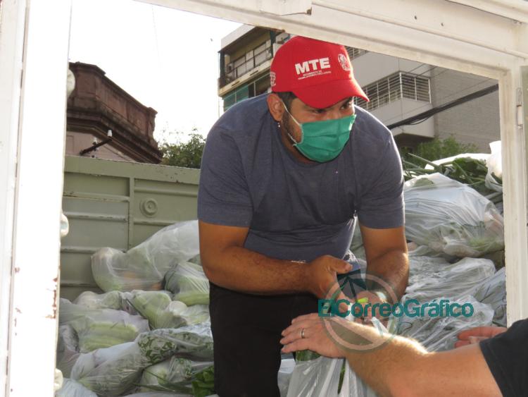 La rama rural del MTE reparte bolsones de verduras a domicilio 1