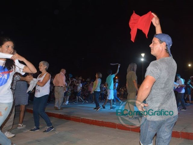 """Se llevó adelante la segunda jornada de """"La Yapa"""" de los domingos de folclore 2"""