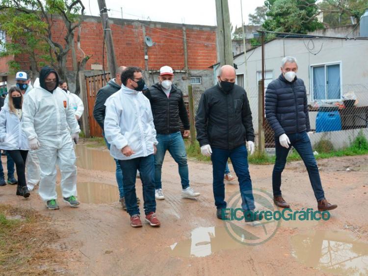 En plena pandemia, se llevó show operativo en el barrio José Luis Cabezas con Mario Secco (foto) y su par Fabían Cagliardi