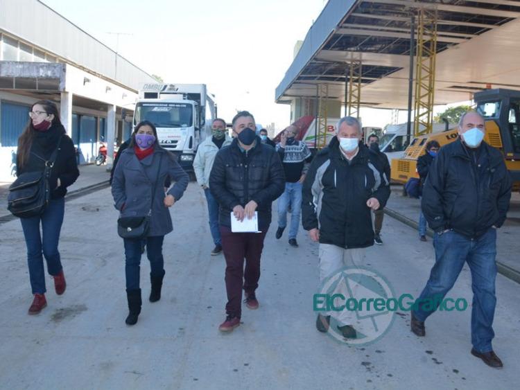 Cagliardi paseó a representantes de organismo de cooperativas por dependencias municipales
