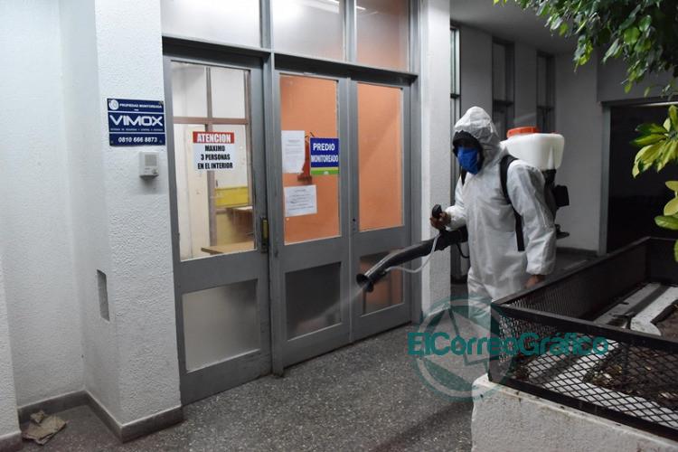 Montan operativo sanitario en el Mercado Regional para desinfectar y detectar casos sospechosos de COVID-19 5