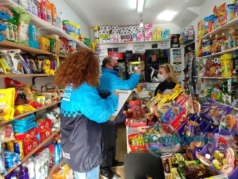 Operativos de control de fiebre y de cumplimento del distanciamiento social en comercios locales 4