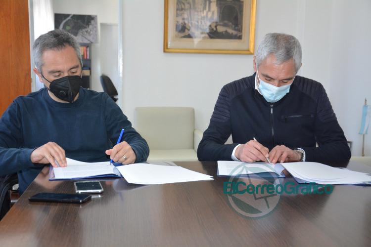 Cagliardi rubricó con Larroque por 15 millones de pesos para hacer un SUM en La Franja 0
