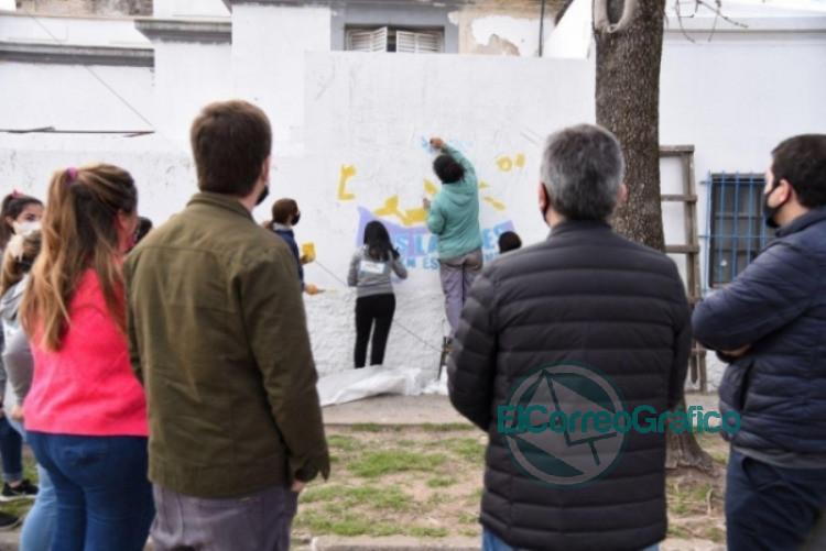 Larroque recorrió los municipios de Mercedes y Luján 2