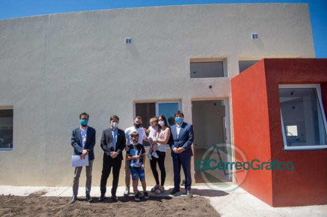 """Kicillof: «Construir viviendas es crear trabajo y reconocer los derechos de las y los bonaerenses"""" 5"""