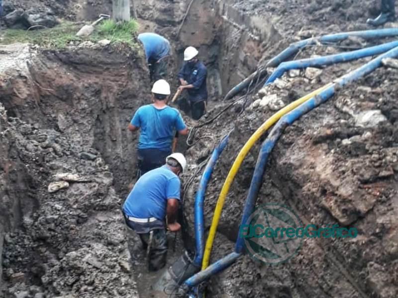 Avanzan los trabajos de reparacion sobre la red de agua de Ensenada