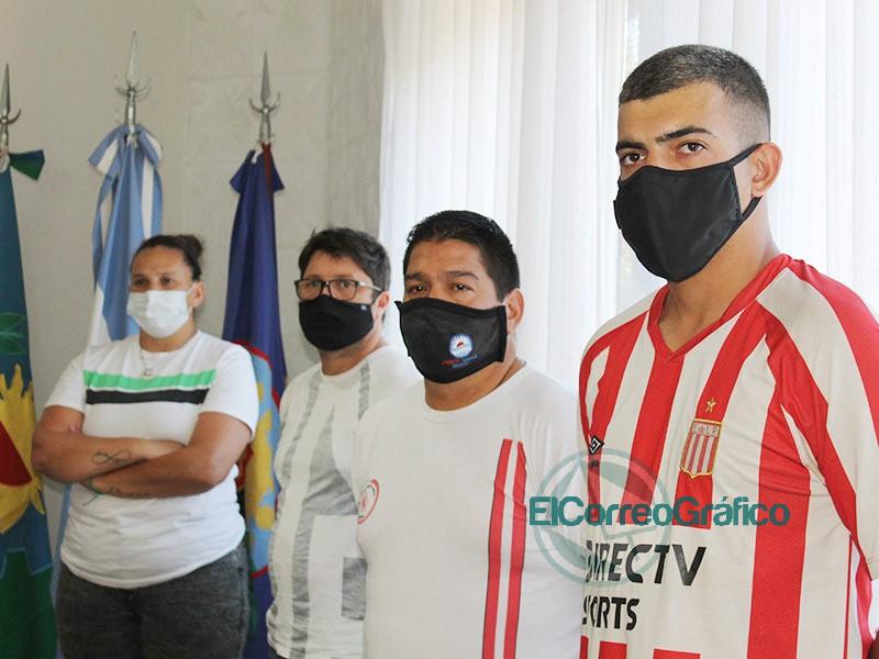 Cagliardi hizo reconocimientos a Clubes Deportivos por un video 3
