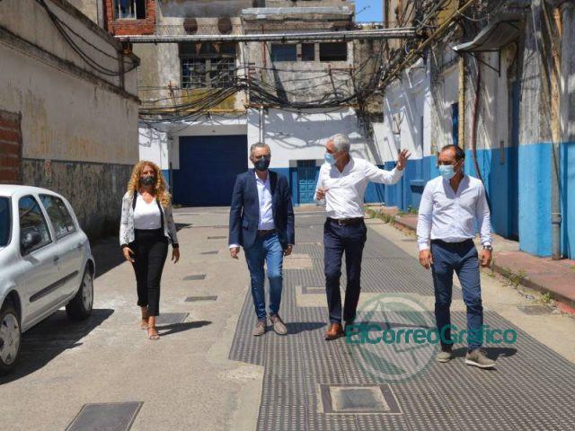 Cagliardi recibo 60 millones de pesos en obras para Sector Industrial 2