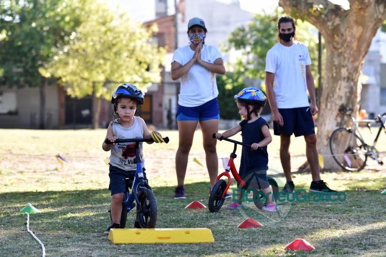 Con clases gratuitas en parques y plazas lanzan la Biciescuela municipal 5