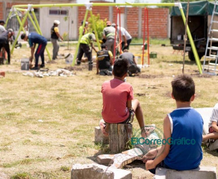 En Olmos crean plaza para evitar la toma de tierras 3